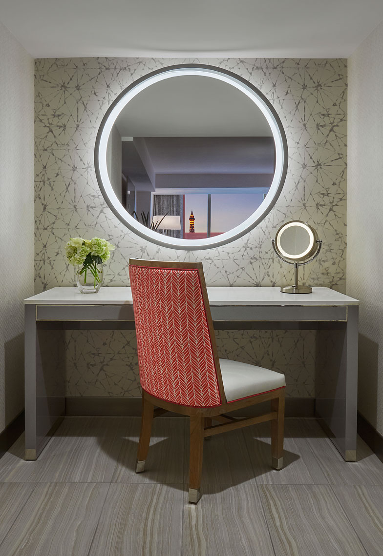THE-FLAMINGO-ROOM-27159-VanityArea